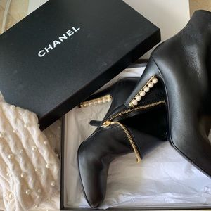 Chanel ankle black boots with pearl heels!!!